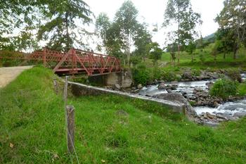 4赤い橋.jpg