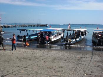Bangsal-boat1.jpg