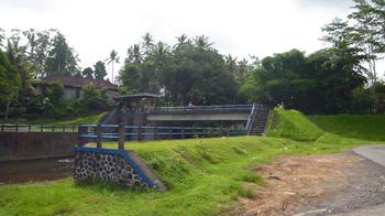 Dam1.jpg