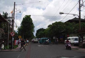 Jl.rayaubud2008.jpg